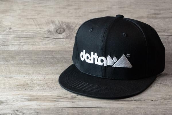 """delta4x4"" Snapback schwarz"